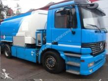 camion cisterna Mercedes usato