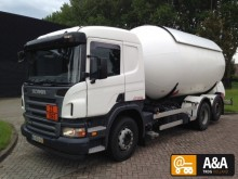 camión cisterna Scania usado