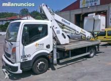 camion piattaforma aerea Nissan usato