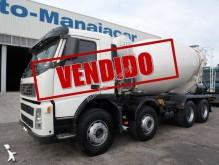 camion béton toupie / Malaxeur Volvo