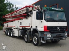 camion Mercedes ACTROS 4151 10x6 Betonpumpe PUTZMEISTER M 52-5