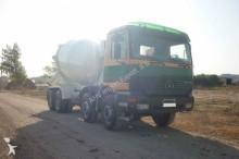 camión Mercedes HORMIGONERA MERCEDES BENZ 3235 8X4 2000 10M3