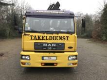 camion MAN LE 220 B