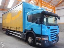 camion Scania P230 4 X 2 18 TONNE CURTAINSIDER - 2006 - FJ56 FAK