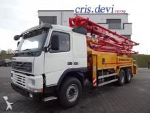 camion pompe à béton Volvo