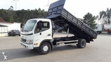 camion benne Toyota