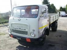 camión volquete OM