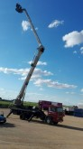 camión plataforma elevadora telescópica Pegaso
