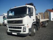 camion porte engins Volvo