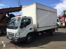 camión furgón Mitsubishi
