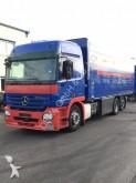 camión caja abierta transporte de bebidas Mercedes