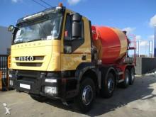 camión Iveco Trakker 450 8x4 + MIXER LIEBHERR 9M³