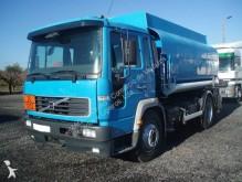camião Volvo FL