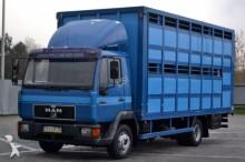 camion van à chevaux MAN