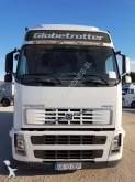 camion plateau ridelles bâché Volvo