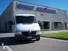 camión Mercedes Sprinter 211 CD1