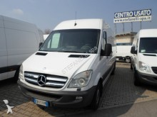 camión Mercedes Sprinter 319