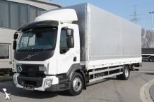 ciężarówka burtoplandeka Volvo