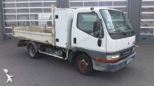 camion benne Mitsubishi Fuso