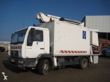 camion nacelle MAN