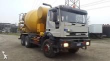 camión Iveco Eurotrakker 380E42