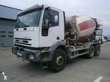 camión Iveco Eurotrakker 260E30