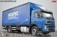 camion cassone centinato Volvo