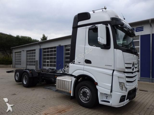 Ciężarówka Mercedes ACTROS 2558 L 6X2 Euro6 Fahrgestell BDF Luft
