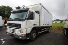 ciężarówka furgon Volvo