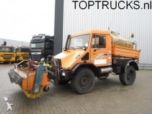 camión Unimog U140 4X4 KIPPER