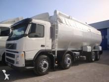 camion citerne pulvérulent Volvo