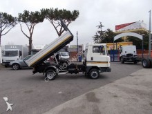 camion Nissan 35 RIBALTABILE TRILATERALE