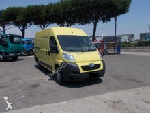camion furgone Peugeot