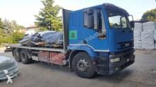 camión caja abierta estándar usado