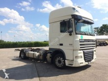 camion DAF XF 105 460 LOW DECK