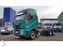 camión maderero Iveco