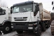 camión Iveco Trakker 410