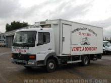 camion magasin Mercedes