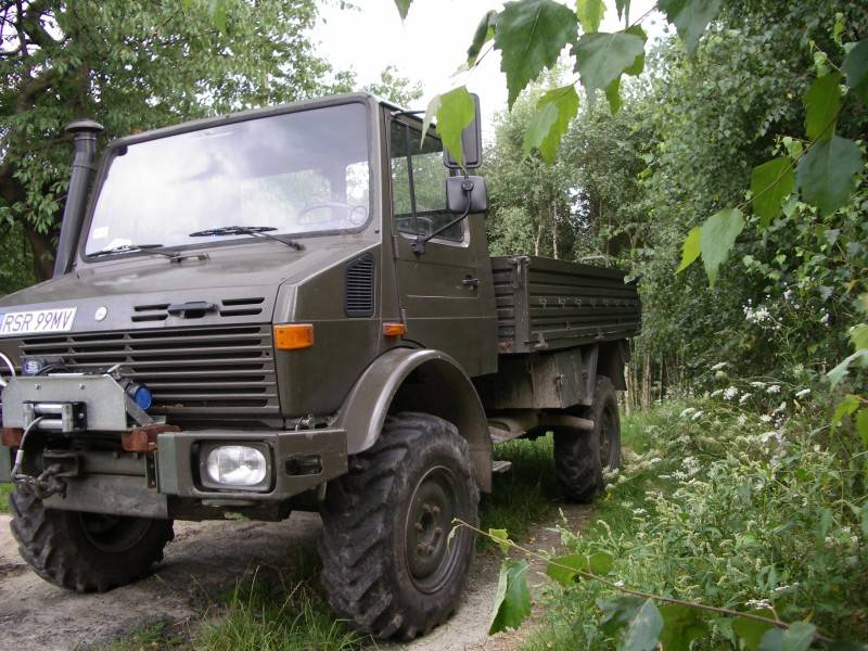 camion mercedes militaire unimog u 1300 4x4 gazoil. Black Bedroom Furniture Sets. Home Design Ideas