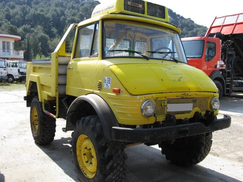 Mercedes trucks unimog
