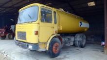 camión cisterna Saviem usado