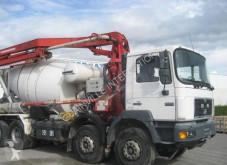 camión bomba de hormigón MAN usado
