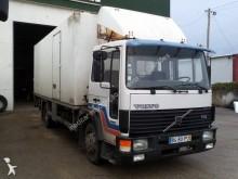 camião Volvo FL6 614