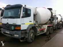 camion betoniera Mercedes second-hand
