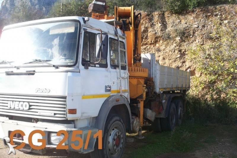 Camion iveco ribaltabile trilaterale gru autogr - Portata massima camion italia ...