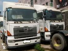 camión volquete escollera Isuzu usado