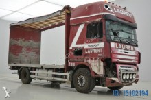 camion plateau DAF accidenté
