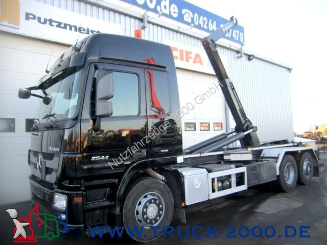 gebrauchter mercedes lkw abrollkipper actros 2544 7m container deutsches kfz 1 hand 6x2 diesel. Black Bedroom Furniture Sets. Home Design Ideas