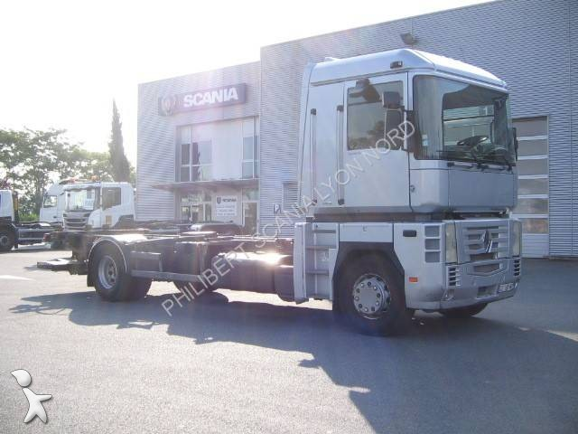 camion renault porte containers magnum 4x2 gazoil. Black Bedroom Furniture Sets. Home Design Ideas