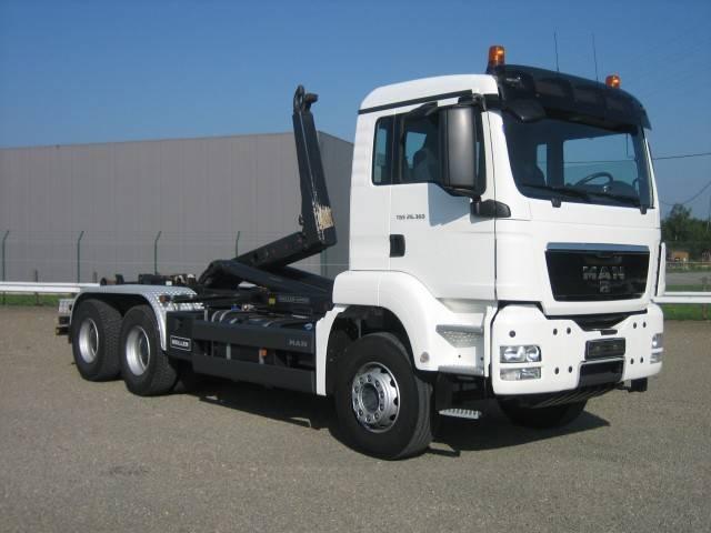 Un petit MAN AMPIROLL 556913-camion-man-a_bras